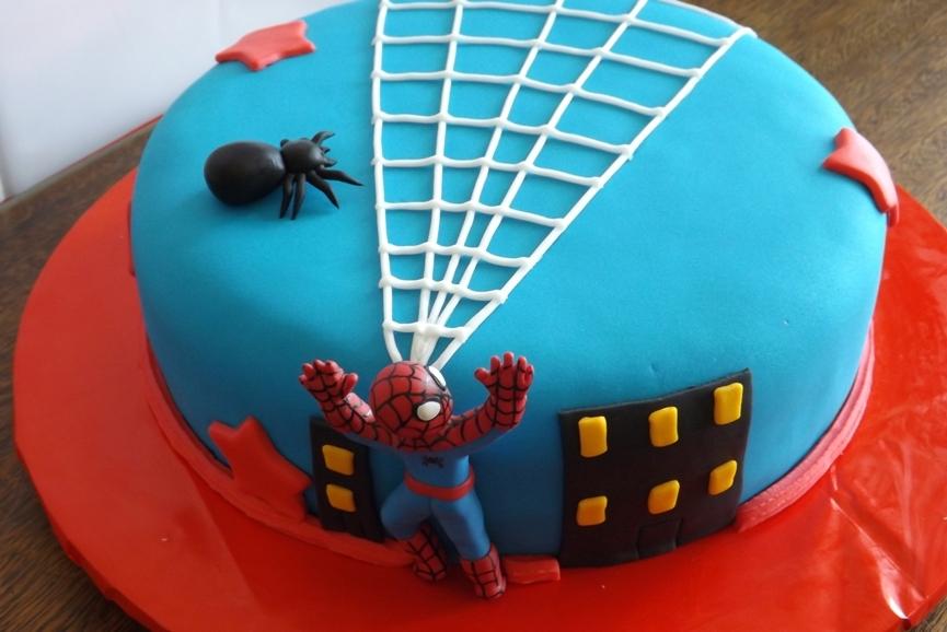 representação de cena de filme em bolo