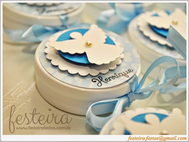 Porta lembrancinha decorada em azul e branco