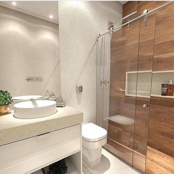 Banheiros planejados com pouco espaço