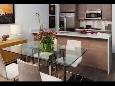 Cozinha americana simples com sala de jantar