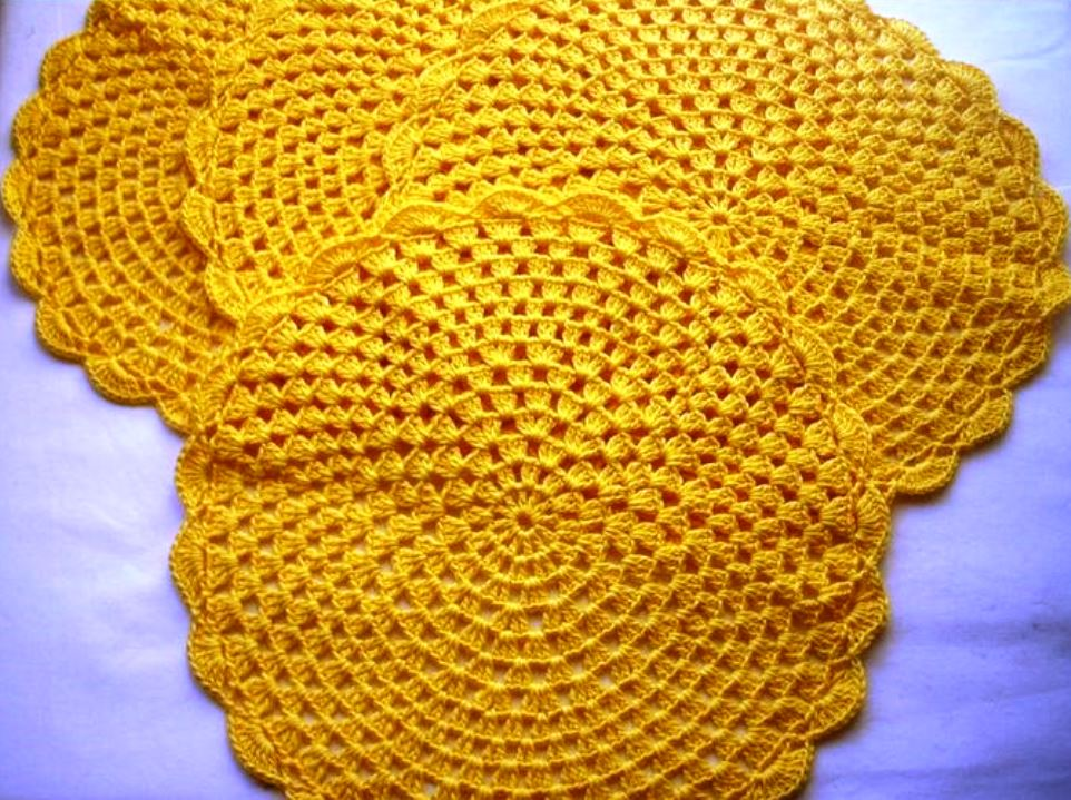 Jogo americano de crochê amareloo