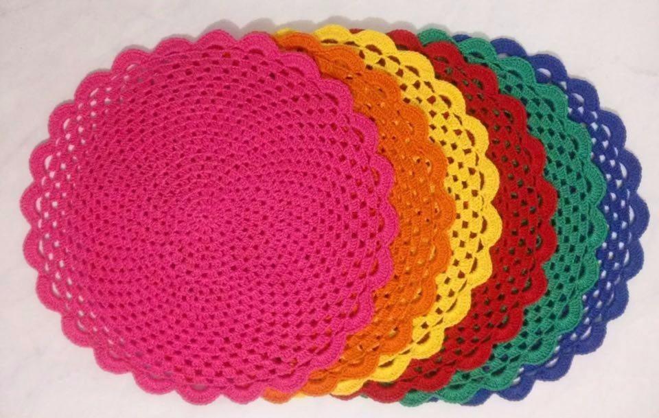 Jogo americano de crochê coloridoo