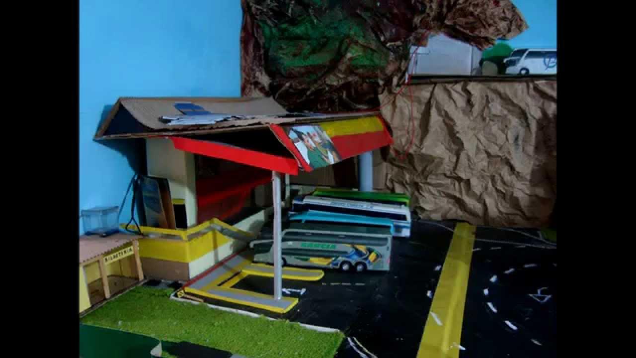 Maquete de cidades com material reciclável