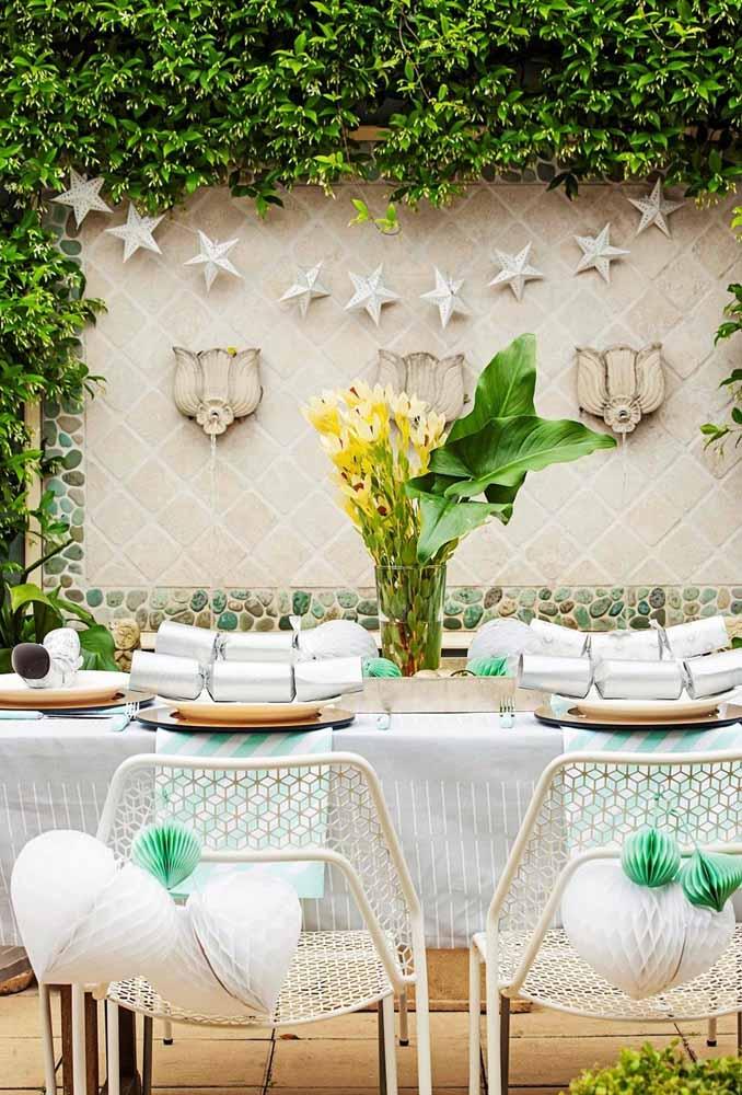 Mudas de plantas em centros de mesa órima decoração exterior