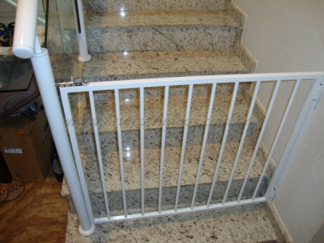Portão de alumínio para cachorroo