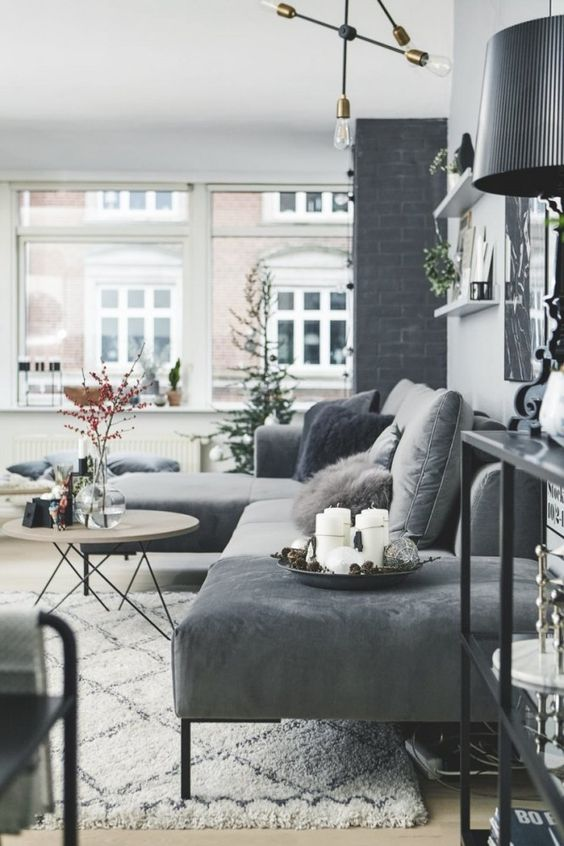 com sofás pretos e estilosos