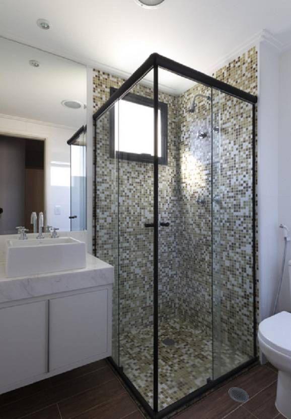 Banheiro quadrado com box