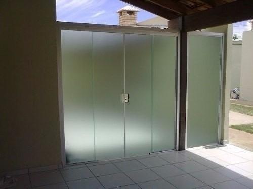 adesivo vinilico para janela branca