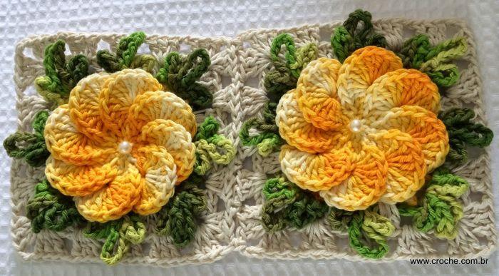 flor feita nesse material com borda verde