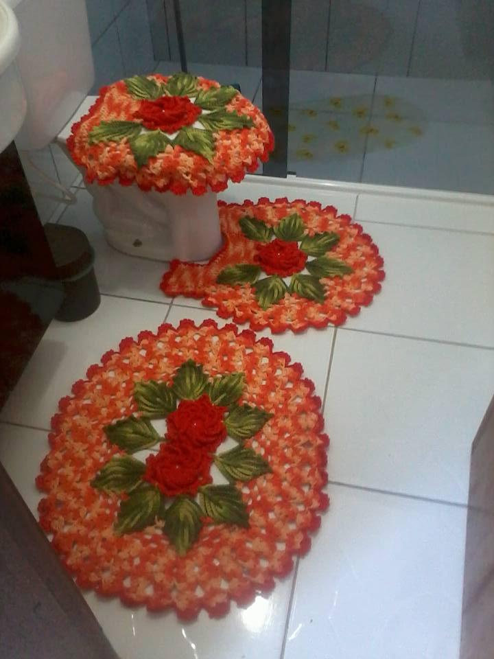 jogo de banheiro de croche com flores e folhas