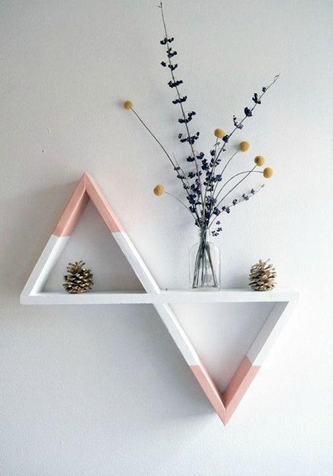 prateleira em formato diferente para decoração