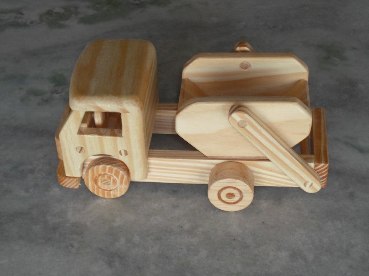 Artesanato em madeira brinquedos