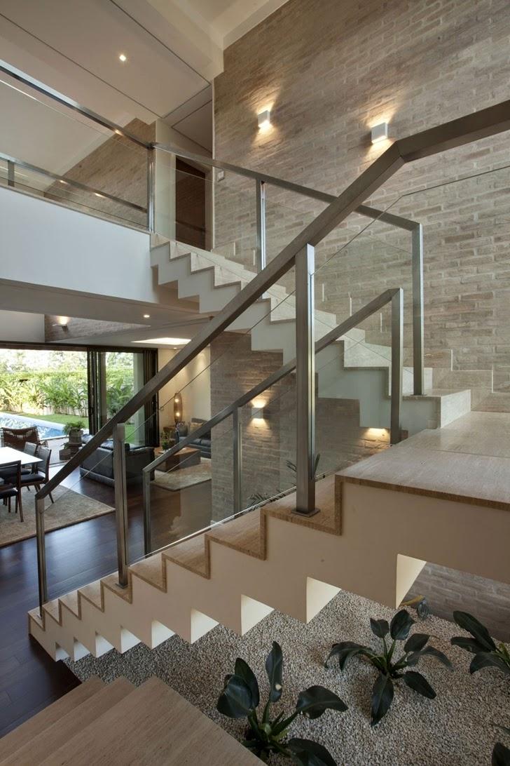 escada indireta co jardim em baixo