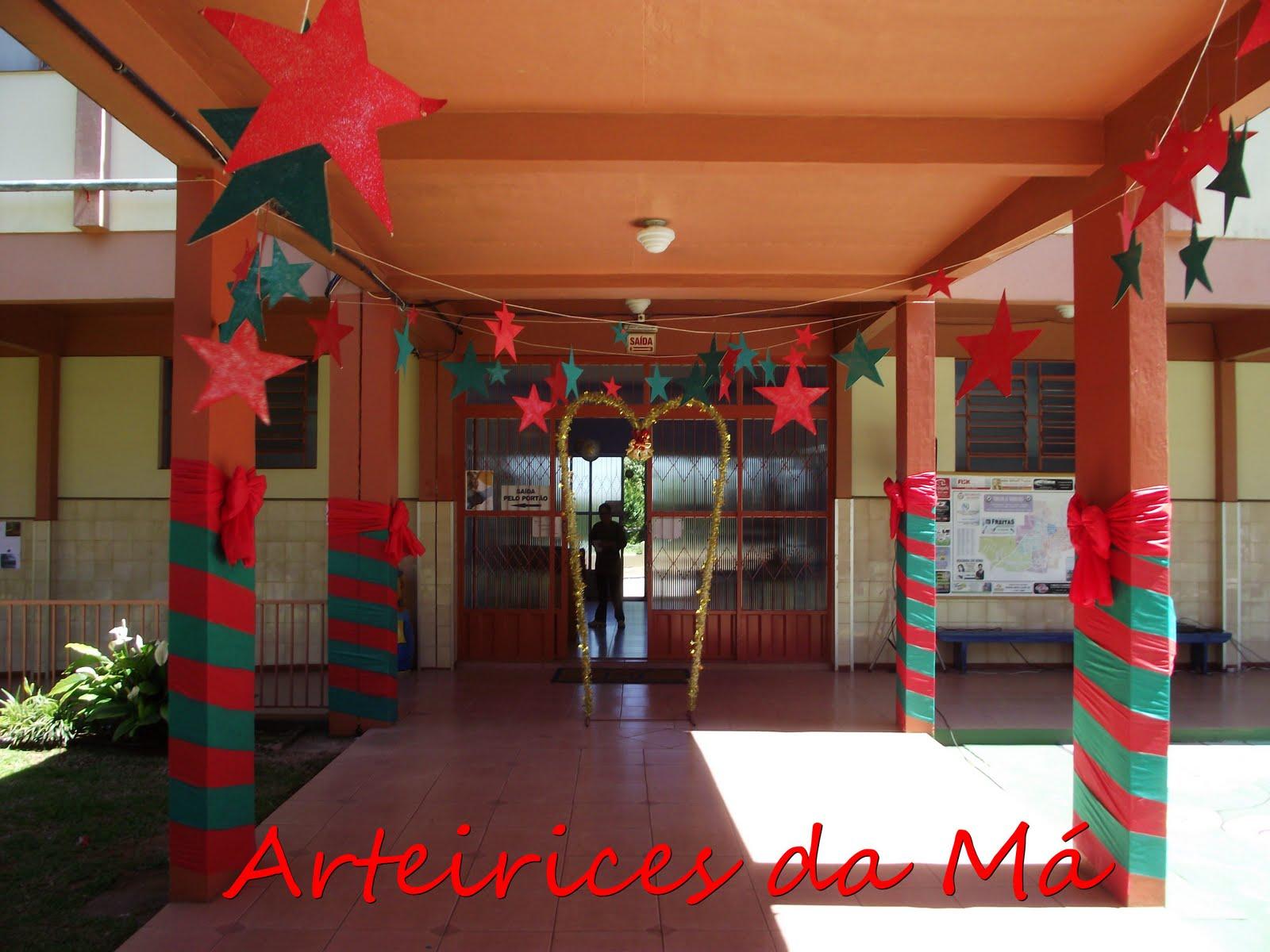 Decoraç u00e3o de Natal Para Escola Veja 30 Modelos e se Inspire -> Decoração De Natal Simples Escola