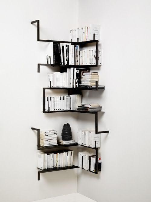 Estante de canto de parede para livros