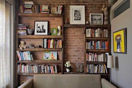 Estante rustica de madeira de parede para livros