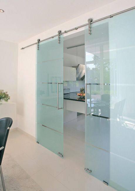 Porta de vidro de correr para sala