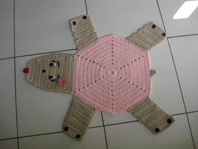 Tapete para seu banheiro em croche com formato de urso