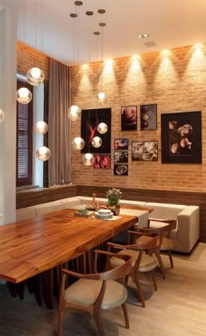 quadros na sala de jantar