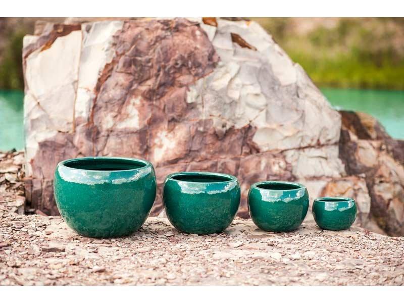 cachepot de cerâmica pintado em verde