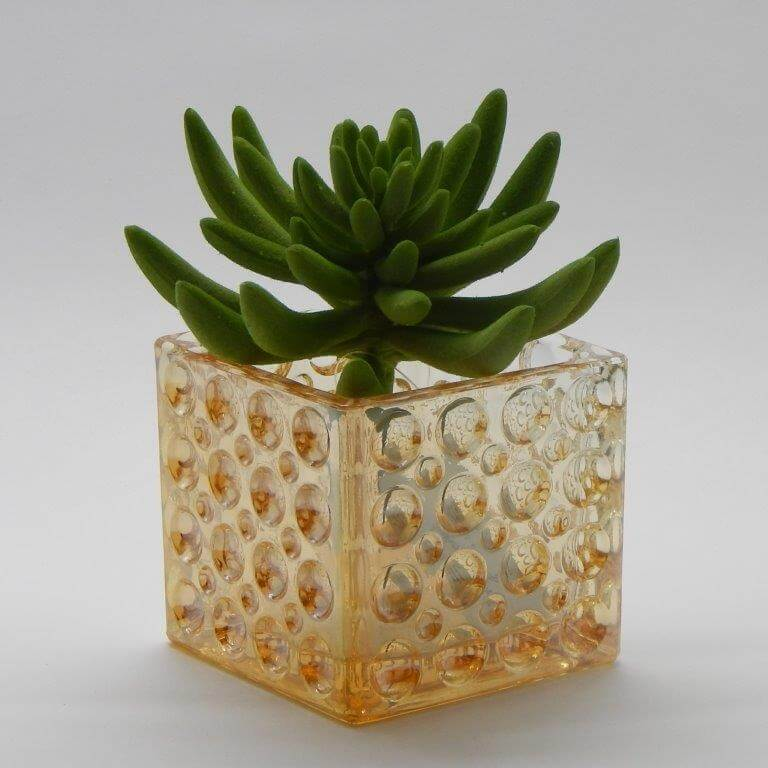 vidro comm detalhes no cachepot