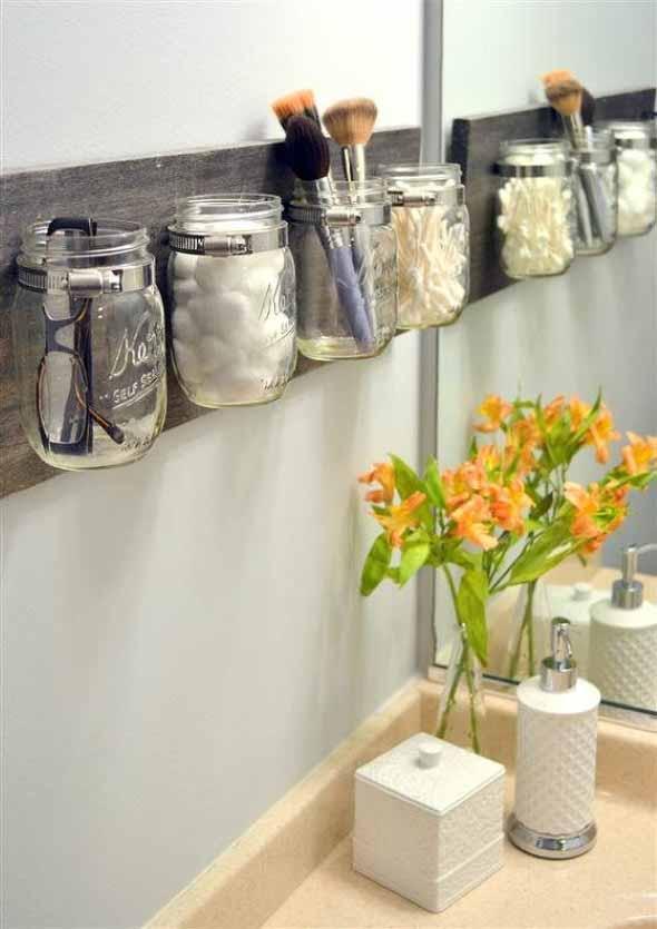 vidros artesanais no banheiro