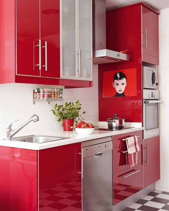 Vermelho com branco na pia e nos armários