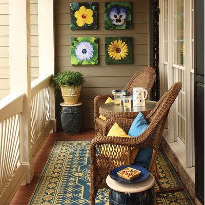 cadeiras de palha na varanda