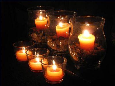 Lindas velas decorando casamento