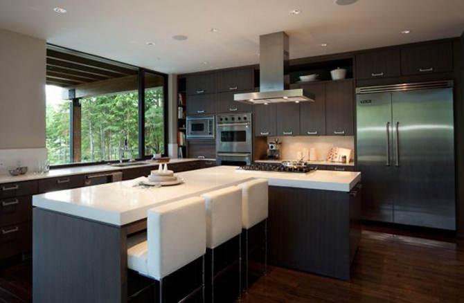 madeira com tom mais forte na cozinha