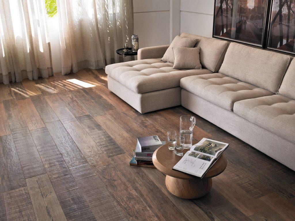 madeira escura usada no chão