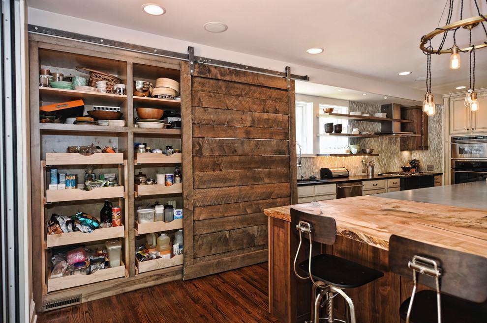 madeira rustica e escura em lugares da cozinha