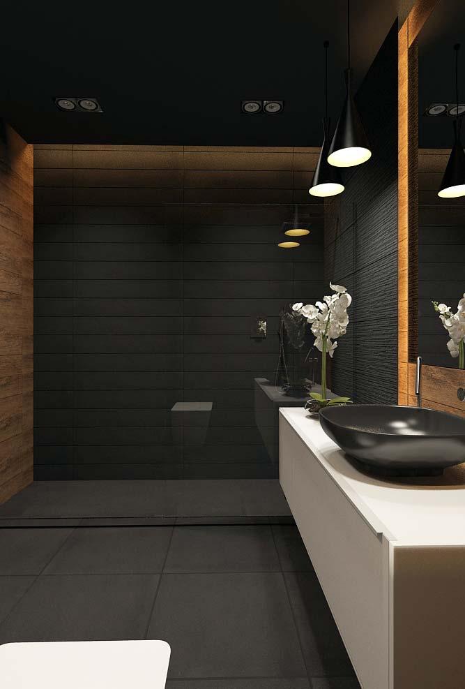 mistura na decoração de preto com madeira envernizada com cor forte