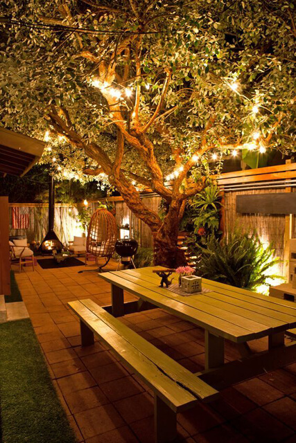 Como iluminar o jardim para o natal