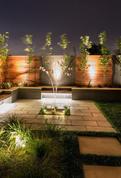 Iluminação de jardim externa