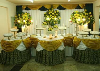 Iluminação nas flores do casamento
