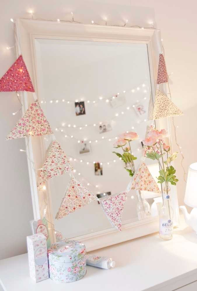 Luzes no esplho decorativo da festa