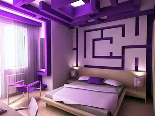 Muitas cores em um quarto de casal