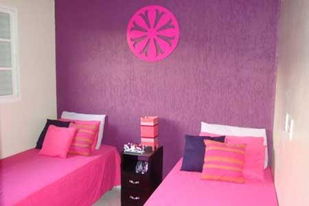 Rosa pink com lilás forte na parede