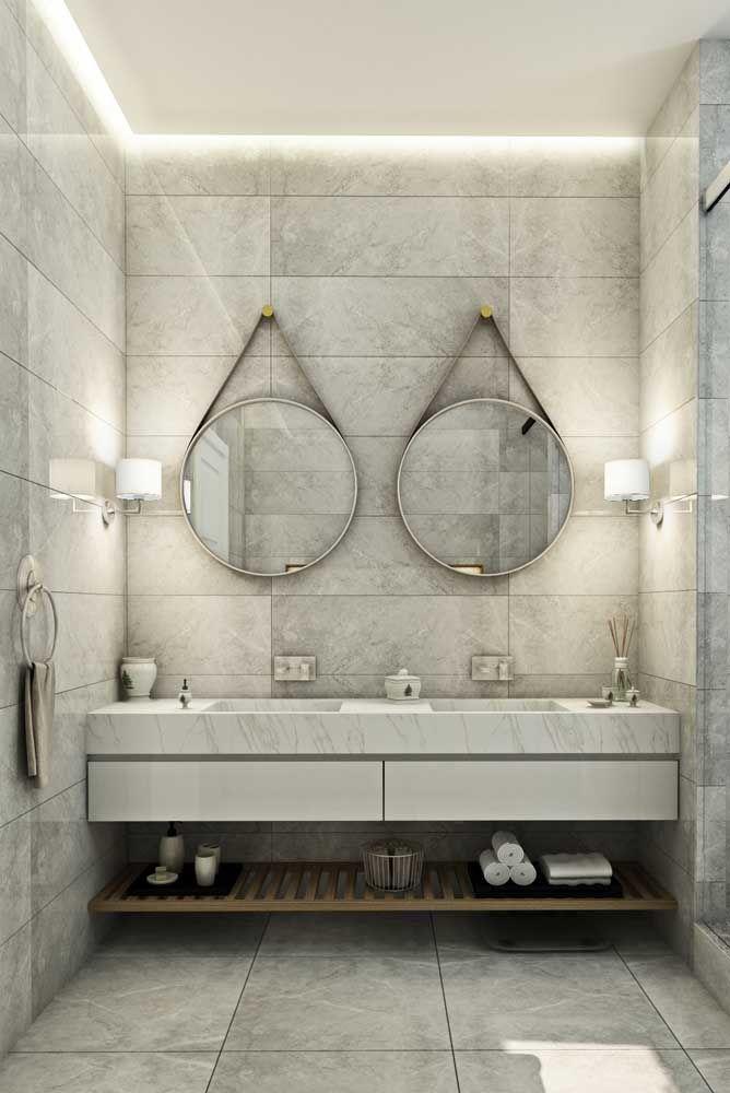 banheiro decorado com luzees