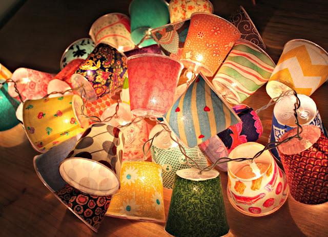 copos plasticos com luzes dentro