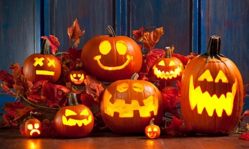 iluinação em aboboras para festa de halloween