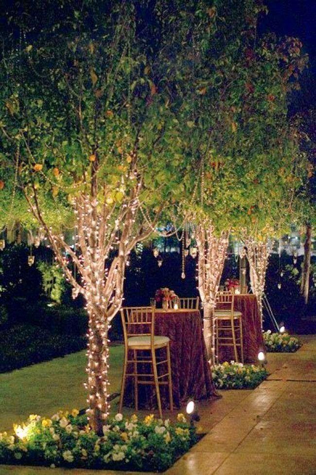 iluminação exterior com luzes brancas