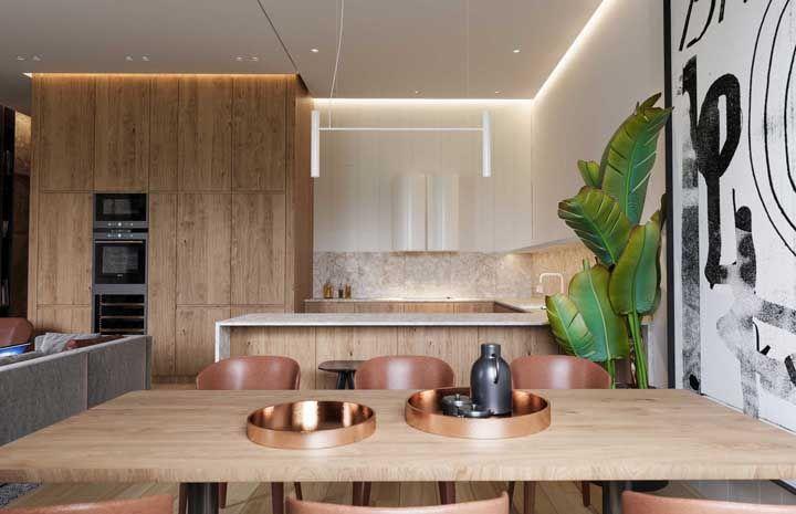 madeira clara com iluminação