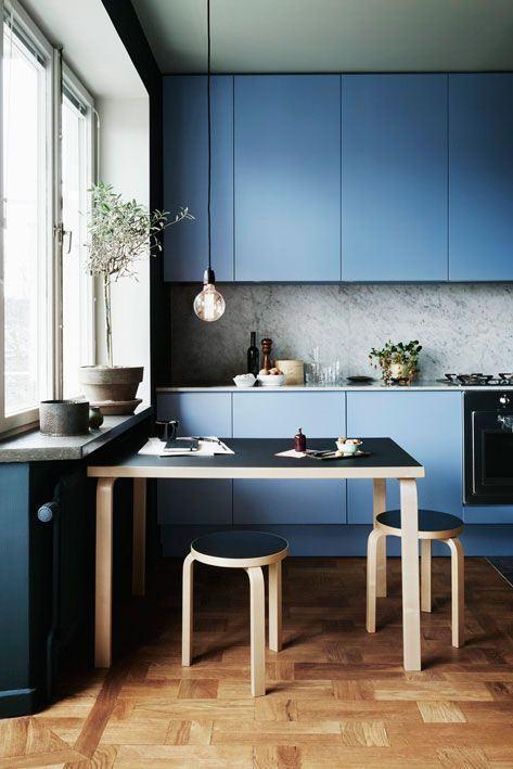 Azul como cor neutra na cozinha