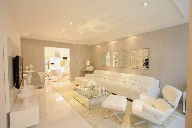 Branco a cor mais neutra na sala de estar