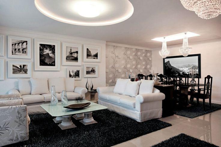 Branco usados nas paredes mesa preta na sala