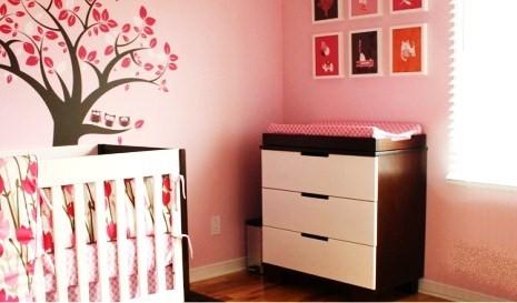 Como decorar quarto de bebe com rosa e marrom