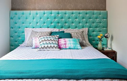 Cor neutra como o azul usada no quarto