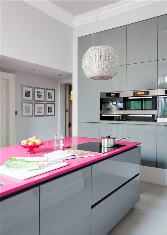 Decoração com balcão rosa na sua cozinha